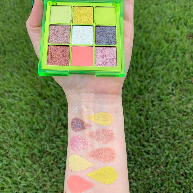 Huda-Beauty-Neon-Obsessions-Neon-Green-Swatches4-800x800.jpg