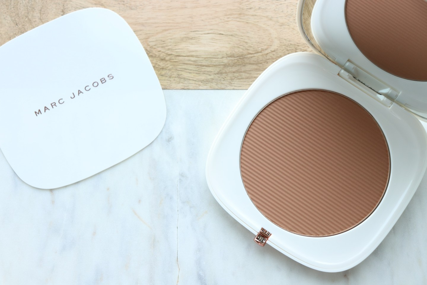 O!Mega Bronzer Coconut Perfect Tan by Marc Jacobs Beauty #21